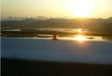 輕霧漫河畔图片