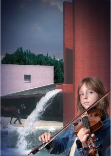 美女拉小提琴图片