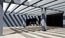 西安电子科技大学观光塔下走廊图片
