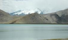 喀喇库里湖畔图片