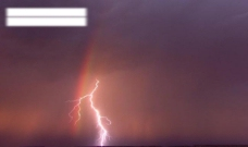 彩虹闪电图片