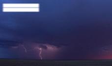 乌云闪电图片