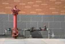 消防栓与自来水管道图片