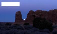 月落山脉图片