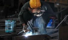 电焊工图片