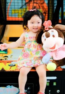 卷毛小公主2岁照片图片