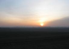 平原日出图片